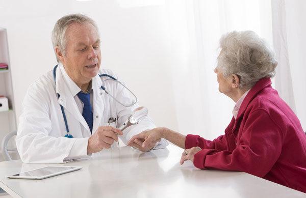 дерматолог после обследования подберет правильное лечение